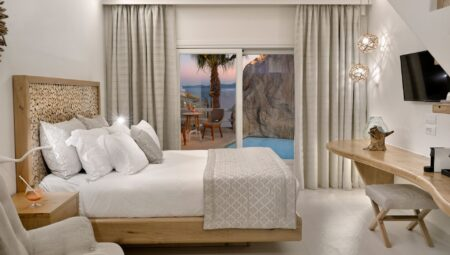 Anax Resort & Spa – Exclusive Maisonette with Pool (4)
